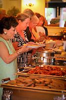 Volunteer Breakfast The von Liebig