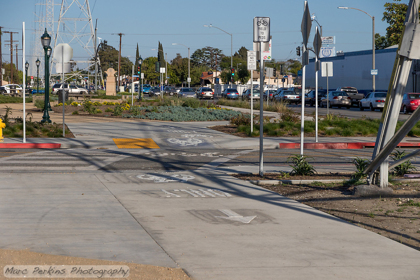 State Street Park runs underneath the power lines for five blocks in South Gate; at two of the intersections pedestrians and bikes cross mid-block.