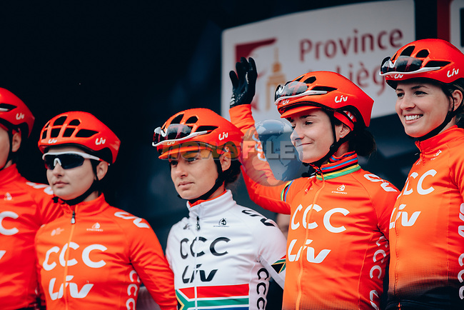 Marianne Vos (NED), Ashleigh Moolman Pasio (RSA) and CCC-Liv team at sign on before the start of the 2019 Liège-Bastogne-Liège Femmes, running 138.5km from Bastogne to Liege, Belgium. 28th April 2019<br /> Picture: ASO/Thomas Maheux | Cyclefile<br /> All photos usage must carry mandatory copyright credit (© Cyclefile | ASO/Thomas Maheux)