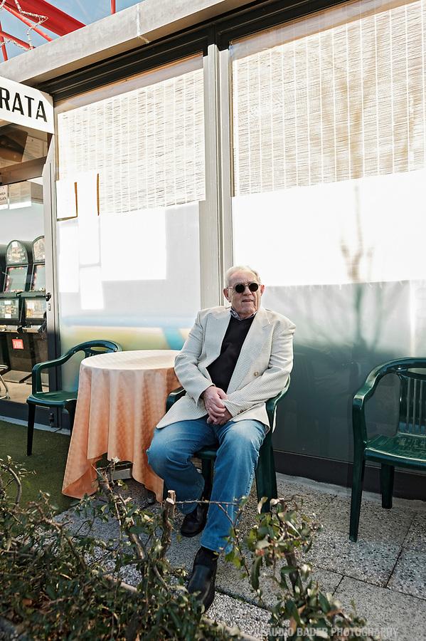 Peter Holenstein, Publizist, Luino