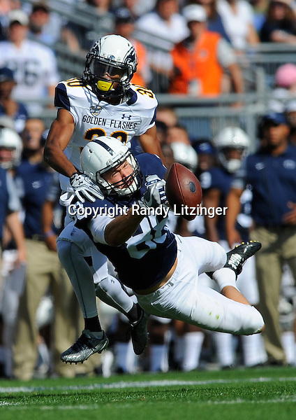 03 September 2016:  Penn State TE Mike Gesicki (88) nearly makes a diving catch but couldn't hang onto the ball when coming down, while Kent State's Darryl Marshall (30) defends. The Penn State Nittany Lions vs. the Kent State Golden Flashes at Beaver Stadium in State College, PA. (Photo by Randy Litzinger/Icon Sportswire)