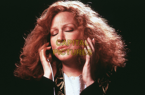 BETTE MIDLER.in Beaches (1988).*Filmstill - Editorial Use Only*.CAP/STF/KHE.Supplied by Capital Pictures.