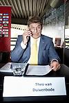 Nederland, Amsterdam, 14 juni 2012.Seizoen 2011/2012.De buitengewone aandeelhoudersvergadering van Ajax NV.Theo van Duivenbode tijdens de buitengewone aandeelhoudersvergadering van Ajax. De aanwezige aandeelhouders mogen zich uitspreken over de voorgenomen benoeming van de commissarissen
