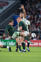 Twickenham, United Kingdom, Saturday, 3rd November 2018, RFU, Rugby, Stadium, England,   ENG, George KRUIS  arm up, attempting to block, RSA, Ivan van ZYL clearance kick,RSA Steven KITSHOFF blocking,during the Quilter, Autumn International, England vs South Africa, © Peter Spurrier