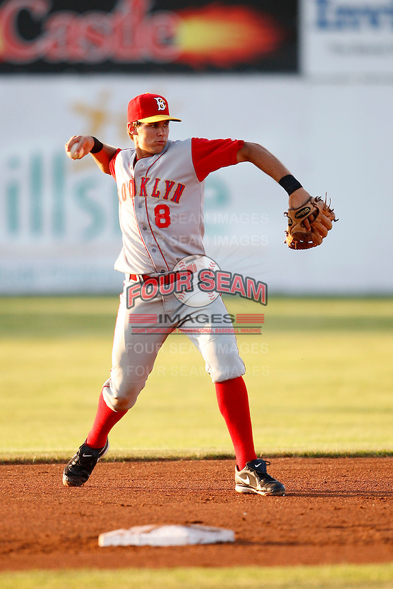 August 5, 2009:  Second Baseman Jake Eigsti of the Brooklyn Cyclones during a game at Dwyer Stadium in Batavia, NY.  The Cyclones are the Short-Season Class-A affiliate of the New York Mets.  Photo By Mike Janes/Four Seam Images