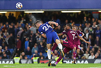 Gary Cahill of Chelsea makes a clearing header under pressure from Raheem Sterling of Manchester City <br /> Calcio Chelsea - Manchester City Premier League <br /> Foto Phcimages/Panoramic/insidefoto