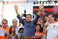 SAO PAULO, SP, 01.05.2015 - DIA - TRABALHO -  Senador Aécio Neves durante evento promovido pela Força Sindical para celebrar o Dia do Trabalho na Praça Campo de Bagatelle, em Santana, região norte de São Paulo, nesta sexta-feira, 01. (Foto: Fernando Neves/ Brazil Photo Press).
