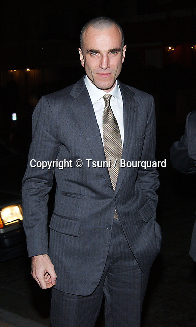 Daniel Day Lewis (Gang Of New York) arriving at the Los Angeles Film Critic Association, the 28th Annual Awards at the Casa Del sol in Los Angeles. January 15. 2003            -            LewisDanielDay08.jpg