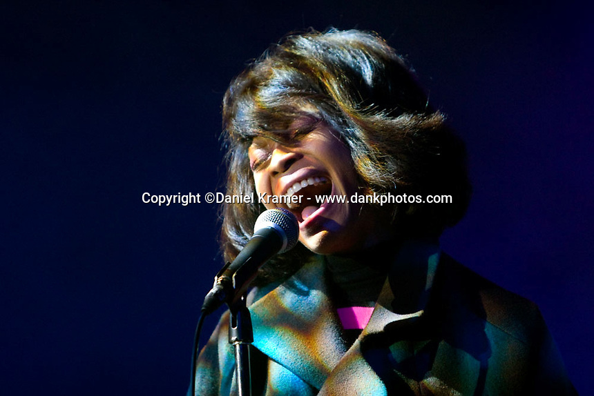 Erykah Badu at Arena Theatre in Houston, Texas on December 29, 2007.