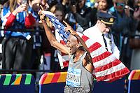 NEW YORK, NY, 06.11.2016 - MARATONA-NEW YORK - Abdi Abdirahman dos Estados Unidos comemora o terceiro lugar  na  Maratona Internacional de New York  nos Estados Unidos neste domingo, 06. (Foto: William Volcov/Brazil Photo Press)