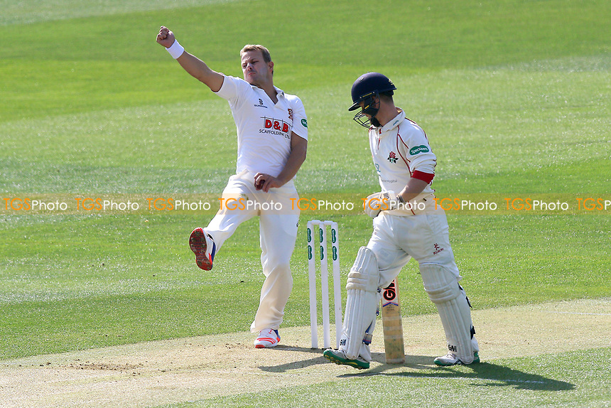 Neil Wagner in bowling action for Essex during Essex CCC vs Lancashire CCC, Specsavers County Championship Division 1 Cricket at The Cloudfm County Ground on 7th April 2017