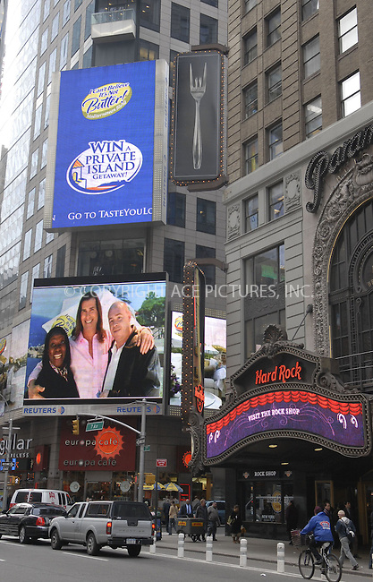 "WWW.ACEPIXS.COM . . . . . ....January 9, 2007, New York City.....Fabio Launches the ""I Can't Believe It's Not Butter"" Mediterranean Blend in Times Square.....Please byline: KRISTIN CALLAHAN - ACEPIXS.COM.. . . . . . ..Ace Pictures, Inc:  ..(212) 243-8787 or (646) 679 0430..e-mail: picturedesk@acepixs.com..web: http://www.acepixs.com"