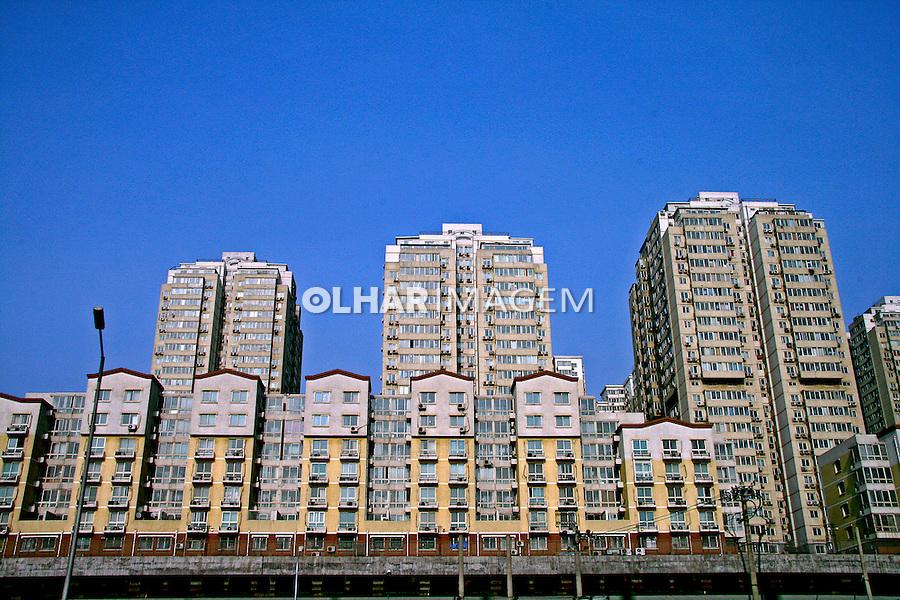 Prédios de apartamentos na cidade de Pequim. China. 2007. Foto de Flávio Bacellar.