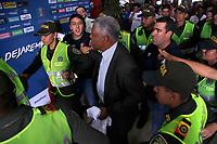 MANIZALES - COLOMBIA, 05-06-2017: Francisco Maturana, fue presentado hoy, 05 de junio de 2017, en Manizales como el nuevo entrenador del club de fútbol Once Caldas de Manizales. Maturana, ex entrenador de la selección Colombia vueve a Manizales 19 años después cuando comenzó como entrenador en 1986. /  Francisco Maturana was presented  today, 05 of June 2017, in Manizales as a new coach of Once Caldas soccer team of manizales. Maturana, former coach of Colombian National Soccer team, come back to Manizales, after 19 years, where he began his carrier as trainer in 1986. Photo: VizzorImage / Santiago Osorio / Cont