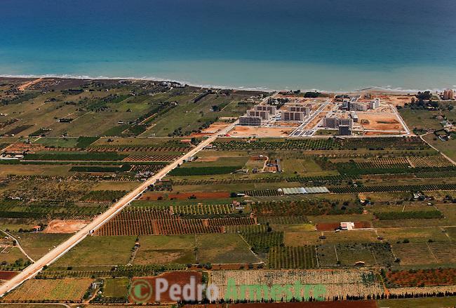 URBANIZACION EN CONSTRUCCION CERCA DE TORRENOSTRA-TORREBLANCA-CASTELLON-C.VALENCIANA. 2008-04-17. (C) Pedro ARMESTRE