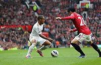 Pictured: (L-R) Wayne Routledge, Shinji Kagawa.<br />