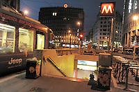 - Milan, Missori square....- Milano, piazza Missori