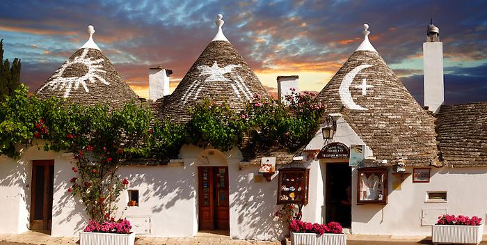 Trulli houses of the Rione Monti Area of Alberobello, Puglia, Italy.