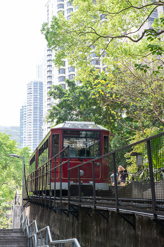 HONG KONG, CHINA - APRIL 01,2018: Peak Tram, The Peak Hong Kong.The Peak Tram is the world's steepest funicular railway and over 120 years old.Running from Garden Road Admiralty to Victoria Peak via the Mid-Levels, it provides the most direct route and offers good views over the harbour and skyscrapers of Hong Kong.Jayne Russell/Alamy Stock Photo