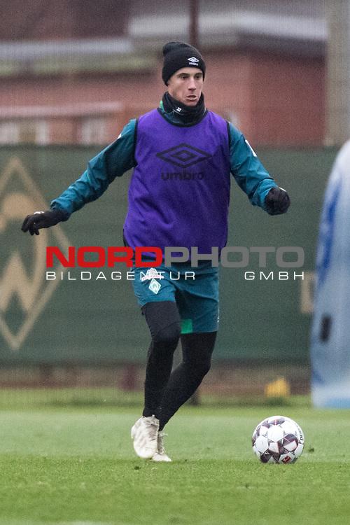 06.12.2018, Trainingsgelaende am Weserstadion, Bremen, GER, 1.FBL, Training SV Werder Bremen<br /> <br /> im Bild<br /> Marco Friedl (Werder Bremen #32), <br /> <br /> Foto © nordphoto / Ewert