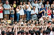 Promesseiros carregam a corda em pagamento as promessas feitas a Nossa Senhora de Nazar&eacute; no decorrer da prociss&atilde;o que ocorre a mais de 200 anos em Bel&eacute;m. As estimativas s&atilde;o de mais de 1.500.000 pessoas acompanhem &agrave; prociss&atilde;o.<br />Bel&eacute;m-Par&aacute;-Brasil<br />08/10/2000<br />&copy;Foto Paulo Santos/Interfoto.