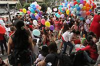 SAO PAULO, SP, 03 FEVEREIRO 2013 -  MANIFESTACAO PELO DIREITO DE ACOMPANHAMENTO DE GESTANTE POR UMA DOULA - O Movimento de Humanizacao do Parto Faz uma manifestacao na av Paulista pelo direito das gestantes de serem acompanhadas por doulas e que as mesmas sejam consideradas membros da equipe multidisciplinar de atencao ao parto independente da presença dos acompanhantes familiares, nesse domingo 03 . (FOTO: LEVY RIBEIRO / BRAZIL PHOTO PRESS)