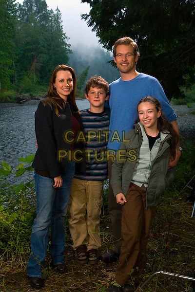 JULIE ANN EMERY, RIDGE CANIPE, JAMES TUPPER & JODELLE FERLAND.in Pictures of Hollis Woods .*Filmstill - Editorial Use Only*.CAP/FB.Supplied by Capital Pictures.