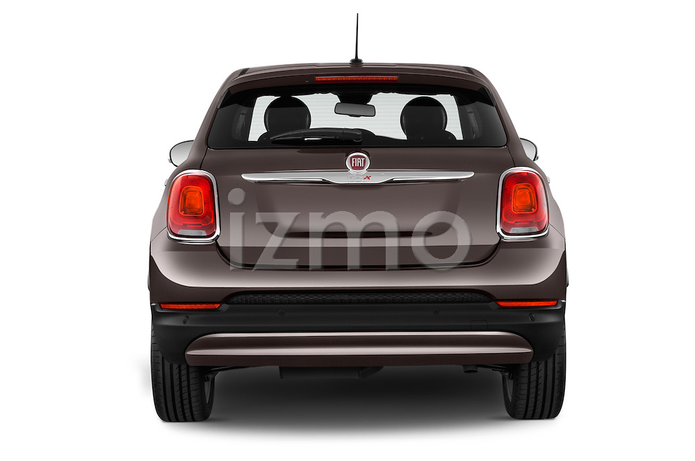 Straight rear view of a 2015 Fiat 500X Lounge 5 Door SUV stock images