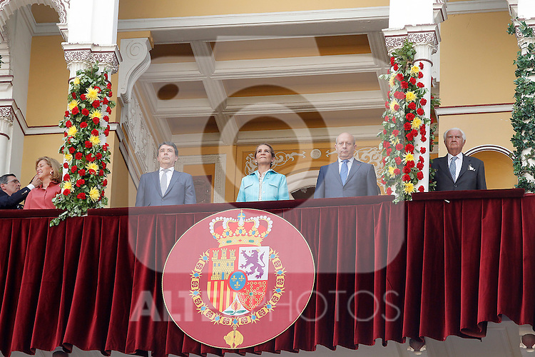 The Infanta Elena chaired the bullfight of beneficence with the Minister of Education and Culture of Spain Jose Ignacio Wert (r) and the President of the Comunidad de Madrid Ignacio Gonzalez. June 3 ,2012. (ALTERPHOTOS/Acero)
