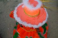 OLINDA, PE, 08.02.2016 - CARNAVAL-PE -  Mulher se apresenta danando em encontro de Maracatu na Casa da Rabeca, em Olinda (PE), durante esta segunda-feira (08). (Foto: Diego Herculano / Brazil Photo Press)