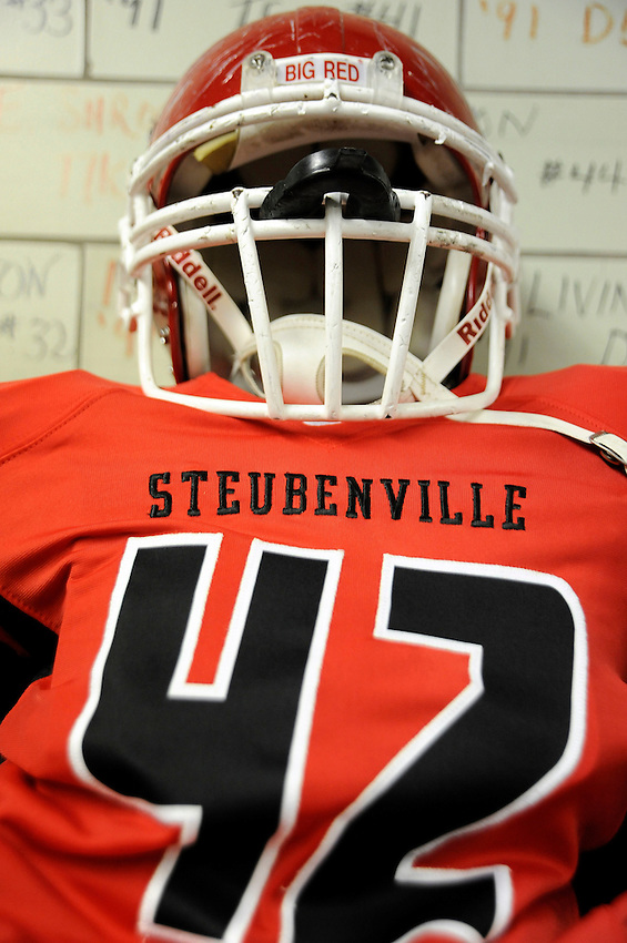 STUBENVILLE H.S..BIG RED FOOTBALL.NIKE