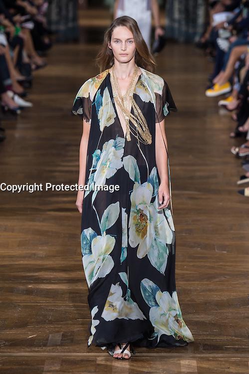womenswear ready to wear<br /> pr&Iacute;t a porter<br /> summer 2017<br /> Lanvin