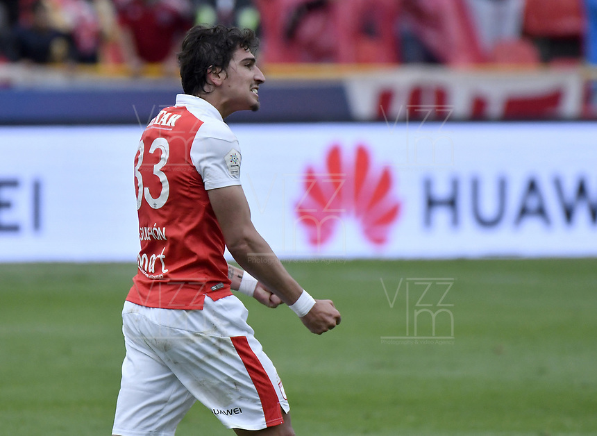 BOGOTÁ - COLOMBIA, 03-11-2018: Facundo Guichon (#33) jugador de Santa Fe celebra después de anotar el segundo gol de su equipo al Tolima durante el encuentro entre Independiente Santa Fe y Deportes Tolima por la fecha 18 de la Liga Águila II 2018 jugado en el estadio Nemesio Camacho El Campin de la ciudad de Bogotá. / Facundo Guichon (#33) player of Santa Fe celebrates after scoring the second goal of his team to Tolima during match between Independiente Santa Fe and Deportes Tolima for the date 18 of the Aguila League II 2018 played at the Nemesio Camacho El Campin Stadium in Bogota city. Photo: VizzorImage / Gabriel Aponte / Staff