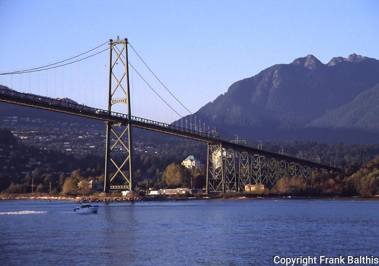 Lion Gate Bridge in Vancouver