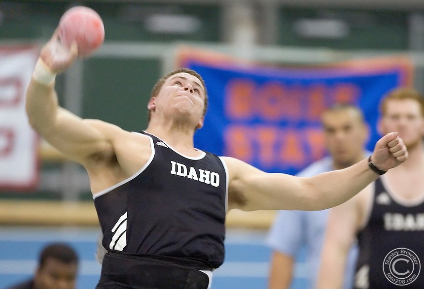 2-24-06.Nampa, ID. Russ Winger of Idaho won the mens shot put with a throw 64-4.00 (19.61m) Friday evening in the WAC Indoor Track and Field Championships.