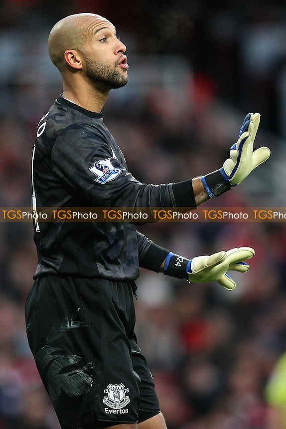 Tim Howard of Everton - Arsenal vs Everton - Barclays Premier League Football at the Emirates Stadium, London - 10/12/11 - MANDATORY CREDIT: George Phillipou/TGSPHOTO - Self billing applies where appropriate - 0845 094 6026 - contact@tgsphoto.co.uk - NO UNPAID USE.