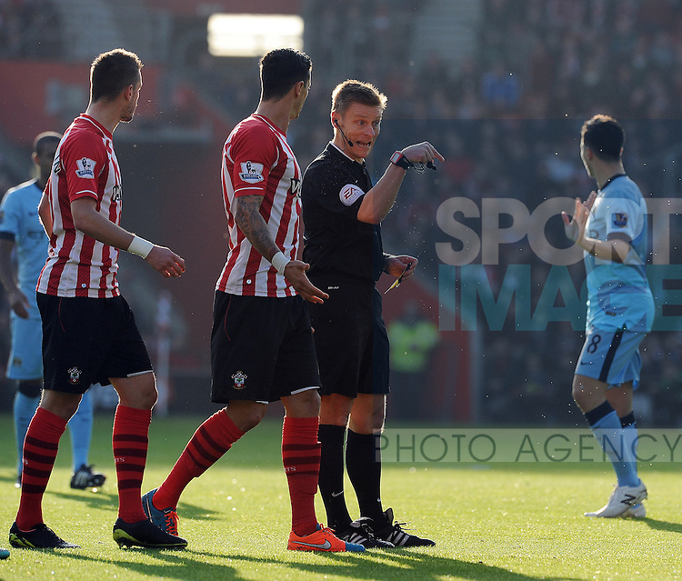 Referee Mike Jones<br /> - Barclays Premier League - Southampton vs Manchester City - St Mary's Stadium - Southampton - England - 30th November 2014 - Pic Robin Parker/Sportimage