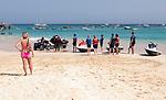 Cabo Verde, Kaap Verdie, KaapVerdie, sal kaapverdie santa maria 2017<br /> Santa Maria, officieel  is een plaats in het zuiden van het Kaapverdische eiland Sal met 6.272 inwoners. Met de opkomst van het toerisme heeft de plaats bekendheid gekregen en is het toerisme de voornaamse inkomstenbron<br /> Kaapverdië, dat behoort tot de geografische regio Ilhas de Barlavento<br />   foto  Michael Kooren<br /> beach, beach life, caipirinha's, cocktail, cocktailbar, popular,  sports, water, sea, powerboat