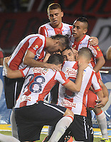 BARRANQUIILLA -COLOMBIA-27-09-2015: Jugadores del Atlético Junior celebran un gol anotado a Deportivo Pasto durante partido por la fecha 14 de la Liga Águila II 2015 jugado en el estadio Metropolitano Roberto Meléndez de la ciudad de Barranquilla./ Players  of Atletico Junior celebrate a goal scored to Deportivo Pasto during match for the date 14 of the Aguila League II 2015 played at Metropolitano Roberto Melendez stadium in Barranquilla city.  Photo: VizzorImage/Alfonso Cervantes/