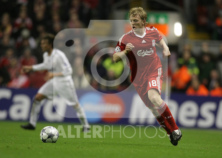 Dirk Kuyt attacks during the Champions League Round of 16, Second Leg match between Liverpool and Real Madrid at Anfield on March 10, 2009 in Liverpool, England