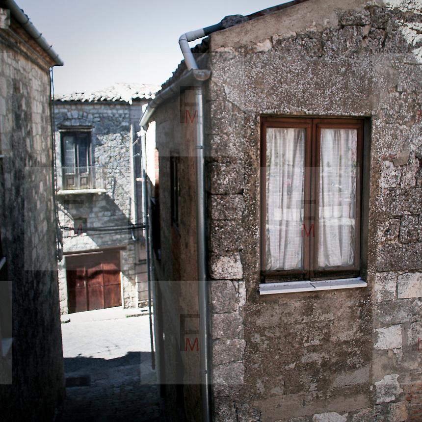 I vicoli medievali di Petralia Soprana..The medieval alleys in Petralia Soprana