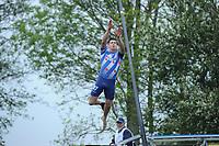 FIERLJEPPEN: IT HEIDENSKIP: Fierljepferiening It Heidenskip, 18-05-2013, Senioren Topklasse, Bart Helmholt (#97), ©foto Martin de Jong