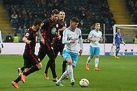 Szabolcs Huszti und Marco Russ (Eintracht) gegen Jan-Klaas Hunelaar (Schalke) - Eintracht Frankfurt vs. FC Schalke 04, Commerzbank Arena