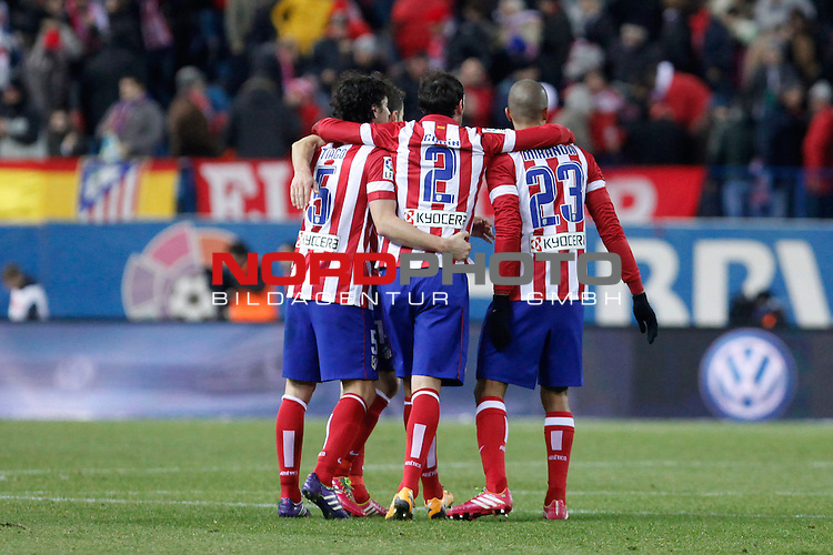 Atletico de Madrid¬¥s players celebrate their victory after La Liga 2013-14 match at Vicente Calderon stadium, Madrid. December 21, 2013. Foto © nph / Victor Blanco)