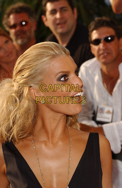 JESSICA SIMPSON.Attends The 2005 MTV Movie Awards held at The Shrine Theatre in Los Angeles, California, USA, .June 4th 2005..portrait headshot funny face.Ref: DVS.www.capitalpictures.com.sales@capitalpictures.com.©Debbie VanStory/Capital Pictures