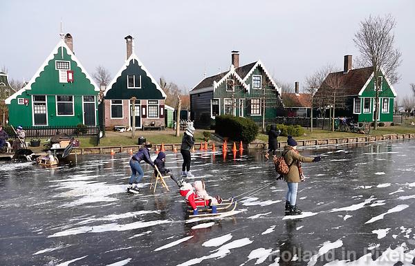 Nederland Zaanstad 2018 . Schaatsen in Zaanse Schans. Foto Berlinda van Dam / Hollandse Hoogte