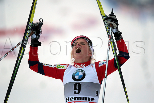 08.01.2011.  TOUR DE SKI - STAGE 7. JOHAUG Therese from Norway during the 10 km classic mass start in Val Di Fiemme, Italy.