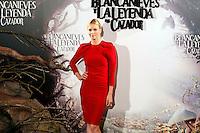 """MADRI, ESPANHA, 17 DE MAIO 2012 - COLETIVA DO FILME A BRANCA DE NEVE E o CACADOR - A atriz sul-africana Charlize Theron durante sessao de fotos antes da coletiva do filme """"A Branca de Neve e o Cacador"""", no anfiteatro Gabriela Mistral na Casa de America em Madri, capital da Espanha, nesta quinta-feira, 17. (FOTO: MIGUEL CORDOBA / ALFAQUI / BRAZIL PHOTO PRESS)."""