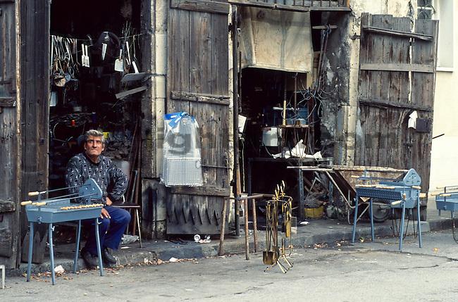 Eisenwarenhändler,Haendler, Händler, Vendor, Limassol, Cyprus, Zypern