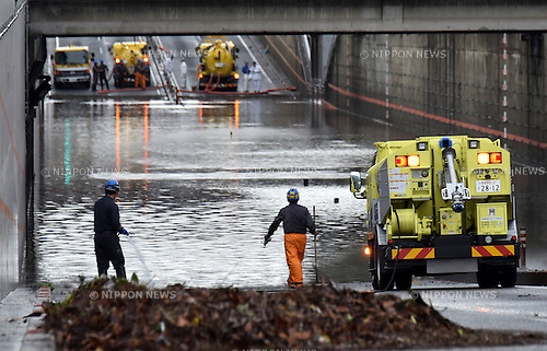 August 22, 2016, Tokyo, Japan - Pump cars are in full swing draining rain waters from the inundated highway underpass near Mizuho-machi in the western suburbs of Tokyo on Monday, August 22, 2016. Approaching Typhoon Mindulle drenched more than four inches of rain an hour in part of Tokyo and the surrounding region.  (Photo by Natsuki Sakai/AFLO) AYF -mis-